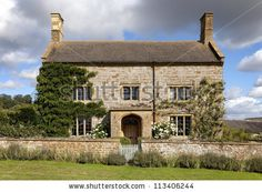 english farmhouse | English Farmhouse, Gloucestershire Stock Photo 113406244 ...
