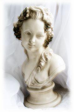 Rococo woman bust