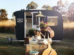 Vintage Shop Caravan