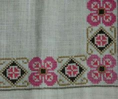 Beautiful floral cross stitch / embroidered / tablerunner / tablecloth /doily in linen from Sweden Cross Stitch Borders, Cross Stitch Designs, Cross Stitching, Cross Stitch Patterns, Embroidery Stitches, Embroidery Patterns, Palestinian Embroidery, Bargello, Beading Patterns