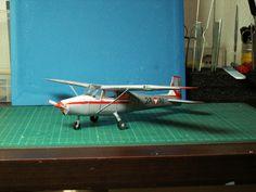 Geli Modell nr. 39, Cessna 172, Maßstab 1:33, umeatsltet auf Militärversion des ÖBH Cessna 172, Paper Models, Paper Planes, Paper, Plane, Model, Paper Patterns