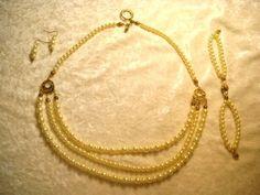 Glass pearl beads set
