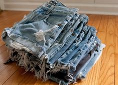 How to make the best shorts from jeans! - I've got an entire drawer full of jeans I don't wear anymore. Perfect.