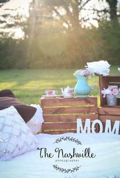Mother's Day photography set up digital background backdrop - Rachel&MothersDay Photography Set Up, Photography Mini Sessions, Outdoor Photography, Photography Backdrops, Children Photography, Mother's Day Photos, Spring Photos, Mother's Day Background, Backdrop Background