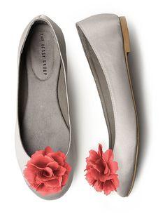 Crinkle+Chiffon+Flower+Shoe+Clip+http://www.dessy.com/accessories/crinkle-chiffon-flower-shoe-clip/