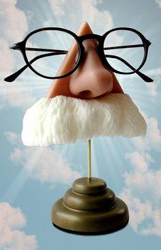Mark Twain eyeglass holder • by Art Akimbo