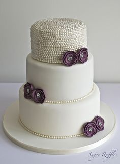 Pearl Wedding Cake - Bolo decorado com pérolas - by Sugar Ruffles