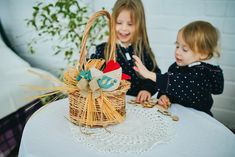 Eco friendly Easter basket, Wicker basket with Natural decor, Handmade Easter chicken toy, Beautiful Easter Gift for kids, Easter Decor Easter Gifts For Kids, Easter Crafts, Crafts For Kids, Craft Stick Crafts, Diy Crafts, Chicken Toys, Easter Bunny Decorations, Nature Decor, Baby Blanket Crochet