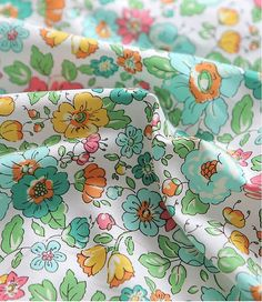 Lovely Flower Pattern Cotton Fabric by Yard 2 by luckyshop0228