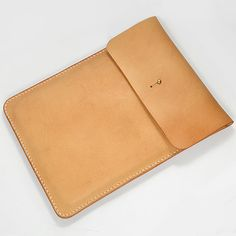 Leather Case 100% Hand-stitched Vegetable Tanned от AnneSoye