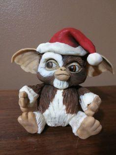 Bake A Christmas Wish : Gizmo - by JulieFreund @ CakesDecor.com - cake decorating website