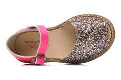 Chaussures pour enfants : les sandales pour petites filles «Minorquines»