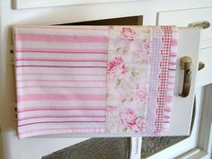 Pretty Chic pink and white tea towel. White Tea Towels, Green Tea Benefits, Peppermint Tea, Decorative Towels, Aprons Vintage, Shabby Chic Kitchen, Pretty, Pink, Metabolism