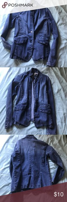 Denim jacket blue buttons Size small St Johns Bay Stretch Gently used denim jacket st johns bay Jackets & Coats Jean Jackets