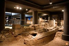 The Monumental Site of Plaça del Rei - Barcelona: an area stretching over m² located beneath the actual square, where is revealing the Roman Barcelona's urban structure. Barcelona Tourism, Old City, Mount Rushmore, Old Things, Stretching, Roman, Museums, History, Old Town