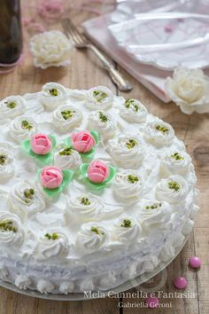 Pretty Cakes, Vanilla Cake, Italian Recipes, Cake Decorating, Desserts, Mamma, Cooking, Sweets, Beautiful Cakes
