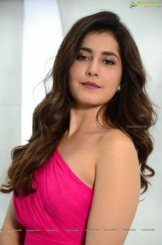 Bollywood Photos, Bollywood Girls, Bollywood Actress Hot, Pop Design, Indian Girls Images, Cinema Actress, Tamil Actress Photos, Movie Songs, Cute Beauty