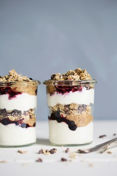 Layered yoghurt jars with homemade almond butter & oat granola