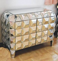 Ideas for a glamorous home - decorating with mirrored furniture Diy Mirrored Furniture, Glass Furniture, Funky Furniture, Cabinet Furniture, Furniture Design, Funky Home Decor, Home Decor Items, Wood Store, Beautiful Bedrooms