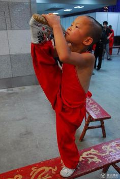 There's no limit to what you can achieve when you take it one step at a time.-Ralph Marston  Chinese martial arts. Kungu. Shaolin.