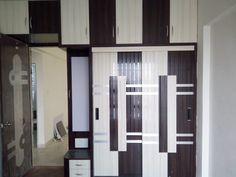 Wardrobe Laminate Design, Wardrobe Door Designs, Wardrobe Design Bedroom, Bedroom Bed Design, Bedroom Furniture Design, Bar Furniture, Bedroom Designs, Kitchen Room Design, Interior Design Kitchen