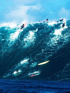 Barbados Surfing conditions are ideal for any level of surfer. Barbados is almost guaranteed to have surf somewhere on any given day of the year. Big Waves, Ocean Waves, Big Wave Surfing, Surfs Up, Ocean Life, Life Photography, Color Photography, Outdoor, Surf City