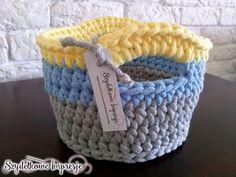 Szydełkowe Impresje: Nowa impresja na potrzebę chwili / New one impresion  #crochet #handmade #diy #rękodzieło #minty #szydełkowanie #kosz #pink #bawełnianysznurek #cottoncord #knniting #druty #szydełko #mięta #róż #rug #carpet #4home #mylovelyhome #withpassion #4babies #scandi #scandinavianstyle #decor #decorating #roznosci #white #carnation #flowers #blue #yellow #grey Cotton Cord, Scandinavian Style, Merino Wool Blanket, Straw Bag, Basket, Deco, Crochet, Ideas Para, Bags