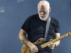 Ses concerts se font rares. Trop rares. David Gilmour, l'ancien guitariste des mythiques Pink Floyd a annoncé sur Facebook une tournée européenne dont le départ sera lancé en Pologne le 25 juin. Dans le cadre de ce tour d'Europe, le guitar hero sera de passage en France pour quatre dates. Il sera donc au Parc du Château de Chantilly le samedi 16 juillet 2016. Un lieu qui devrait avoir une drôle de résonance dans l'esprit de David Gilmour quand c'est dans ce château que Pink Floyd avait joué…