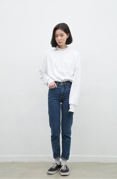 fs white + high waisted jeans + vans