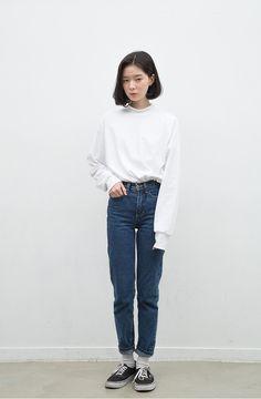fs white + high waisted jeans + vans