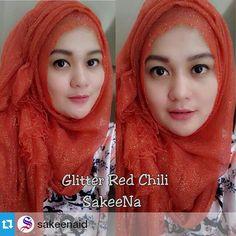 @ginaismagianti wearing pashmina glitter premium red chili Follow @sakeenaid