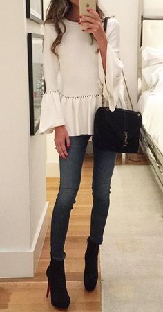 #fall #outfits ·  White Top // Skinny Jeans // Ankle Boots