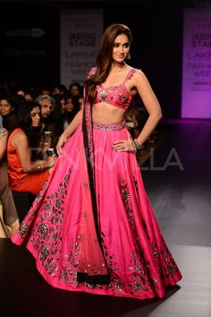 Ileana D'cruz sizzles on the ramp