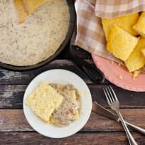 Gluten Free Sausage Gravy just became your new weekend favorite. Perfect with biscuits and the morning paper! Gluten Free Gravy, Gluten Free Sauces, Gluten Free Biscuits, Gluten Free Menu, Gf Recipes, Dairy Free Recipes, Sauce Recipes, Cooking Recipes, Oatmeal Banana Bread