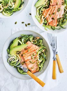 Trout pan-seared and salad of zucchini with pumpkin seeds Pork Recipes For Dinner, Mexican Dinner Recipes, Seafood Dinner, Fish And Seafood, Chefs, Ricardo Recipe, Trout Recipes, Zucchini Salad, Salty Foods