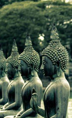 Gangaramaya in Sri Lanka |  Visit the link to read more about travelling Sri Lanka