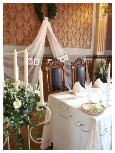 A victorian style wedding table. Sunrid Ikea-fabric.