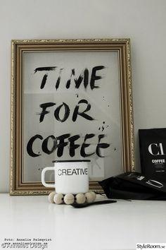 svart och vitt,anslagstavla,kaffe,förpackningar,guldram