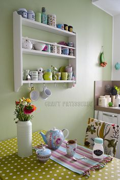 Plate-shelf tea-shelf, ikea stenstorp. Mugs teas spring in kitchen. Photo by craftpatisserie