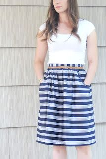 DIY a gathered summer skirt with Waistband, Exposed Zipper, and Pockets; A really good tutorial!