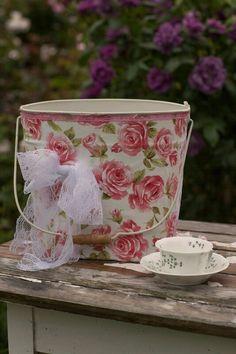 Beutiful bucket
