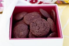 This Very Chocolate Biscuit recipe comes from Vogue Entertaining and they are divine. Style these beautifully into small, beautiful boxes for your wedding favours and everyone will be delighted.
