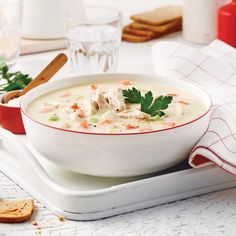 Crème de poulet. Ajouter poireaux et patates!! Soup Recipes, Healthy Recipes, Canadian Food, Canadian Recipes, Soup And Sandwich, Gumbo, Cheeseburger Chowder, Thai Red Curry, Stew