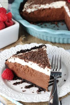 Chocolate Truffle Pie - made with chocolate ganache and mascarpone cheese! No bake, light and delicious!