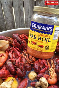 Zatarain's Nothing says New Orleans like a good crawfish boil. From the backyard to the stove top, Zatarain's is perfect for any seafood boil. Click through to see three of our favorite boil recipes. Crawfish Recipes, Seafood Boil Recipes, Seafood Dishes, Crawfish And Shrimp Boil Recipe, How To Boil Crawfish, Crawfish Boil Seasoning, Cajun Seafood Boil, Lobster Boil, Recipes