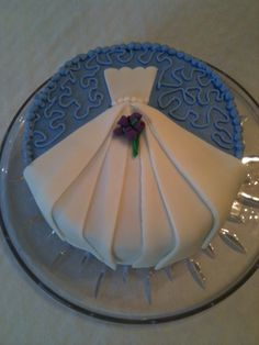 Bridal Shower Cake - perhaps not with fondant, but with frosting. Whitney, do you want a cake or cupcakes? Pretty Cakes, Cute Cakes, Beautiful Cakes, Amazing Cakes, Bridal Shower Cakes, Bridal Showers, Cake Central, Dress Cake, Before Wedding