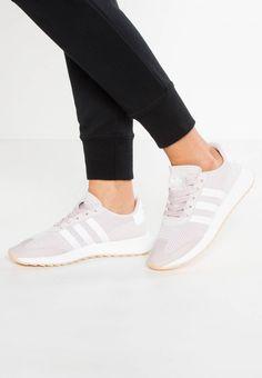 huge discount e12b9 085c5 adidas Originals. FLASHBACK - Baskets basses - ice purple white. Semelle de  propreté