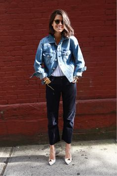 5 things the Man Repeller has learned from wearing man's pants. Fashion blogger Leandra Medine reflects on why women can enjoy wearing men's pants. For example, the pockets are bigger, the rise is better and cropping these pants are easier. Re-using old men's clothing has become a trend in recent years. The Man Repeller. Kailee Esser.