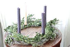 Leah+Moss+boxwood+and+lavander+advent+wreath.jpg (1280×853)