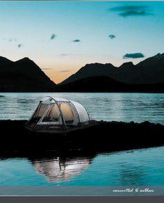 High Peak is een Duits outdoor- en kampeer merk, dat zich heeft gespecialiseerd in tenten, slaapzakken, rugzakken en accessoires. In 30 jaar is dit merk uitgegroeid tot een van Europa's grootste producenten op dit gebied.